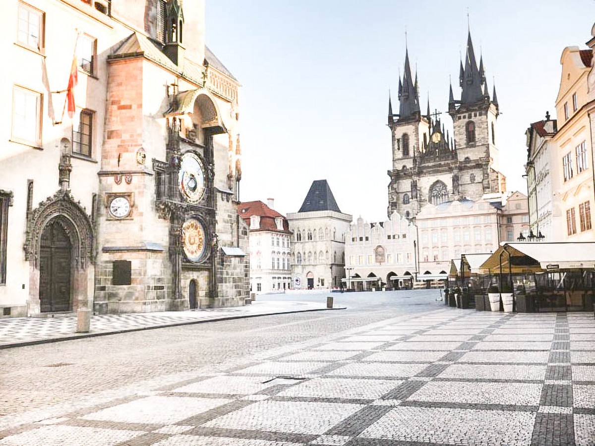 OUR 2-WEEK STAY IN PRAGUE BETWEEN HOME OFFICE AND IVF